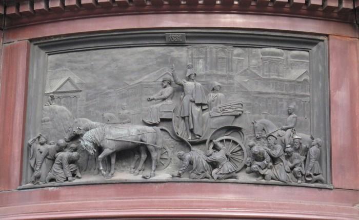 Барельеф. Усмирение холерного бунта на Сенной площади в Петербурге