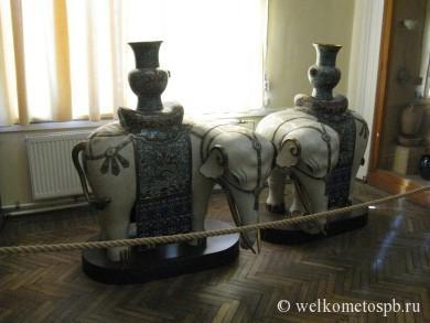 """Курильницы """"Слоны с чашами драгоценностей"""", Китай"""