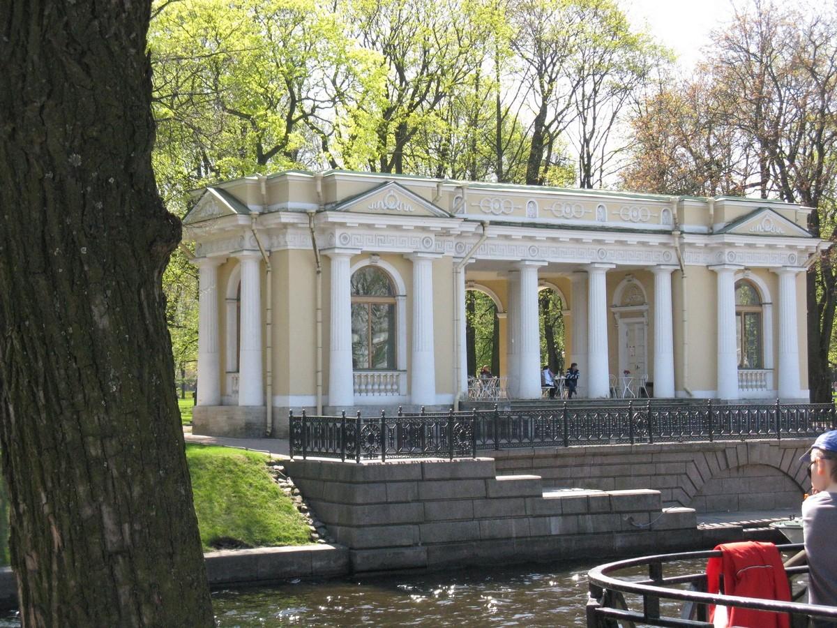 Павильон в Михайловском саду