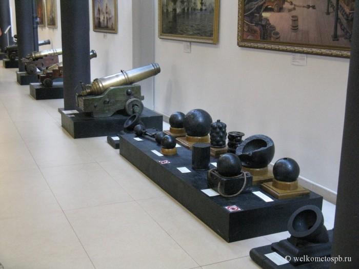 Пушки и ядра XVII века