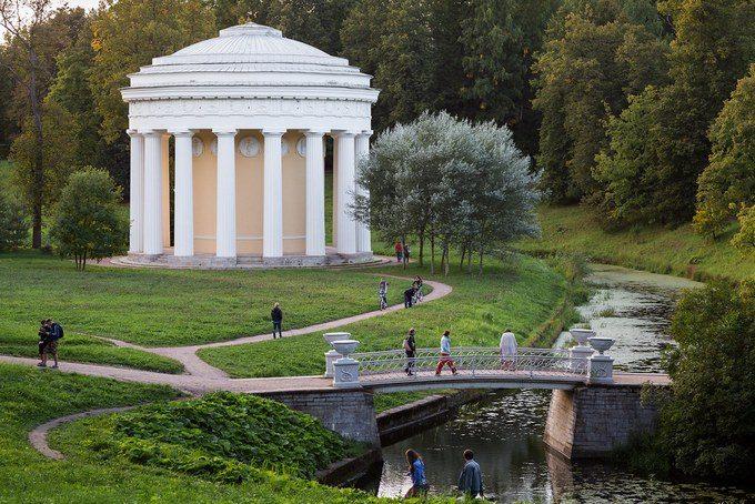 Храм Дружбы в Павловском парке