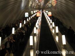 Время работы всех станций метро Санкт-Петербурга в 2019 году