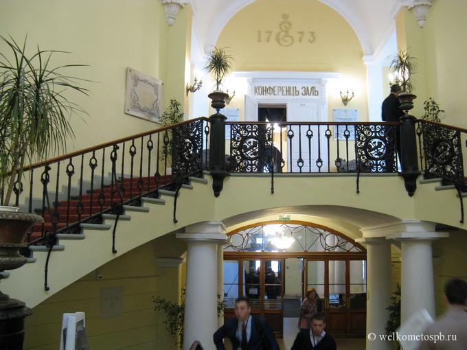 Лестница Горного музея